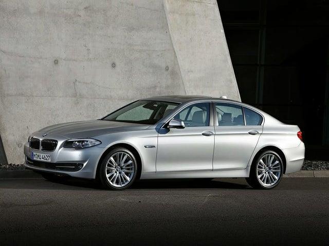 2013 BMW 5 Series 550i Sedan RWD