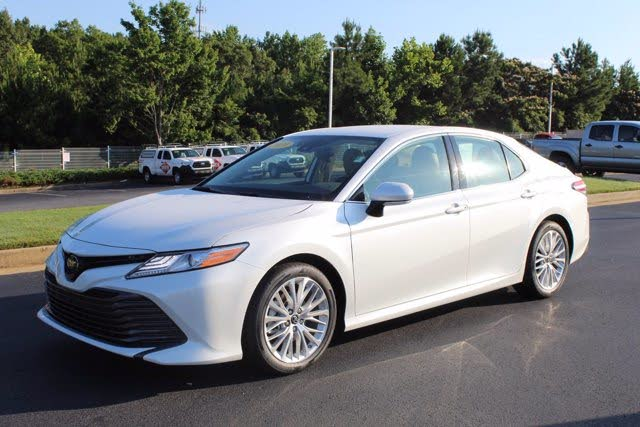 2019 Toyota Camry XLE FWD