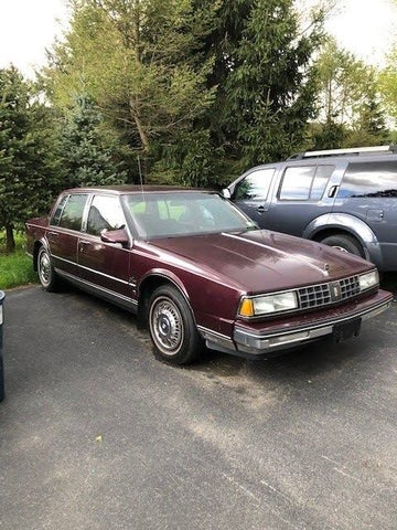 1987 Oldsmobile Ninety-Eight Regency Brougham Sedan FWD