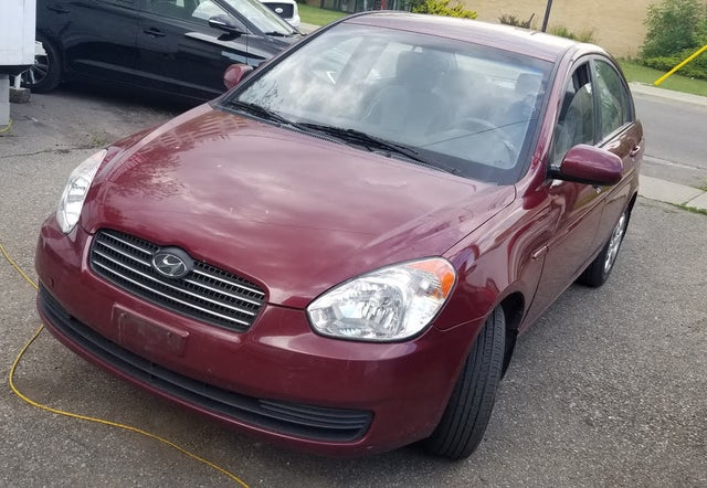 2011 Hyundai Accent L Sedan FWD