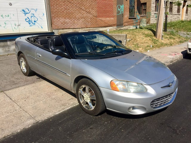 2002 Chrysler Sebring Limited Convertible FWD