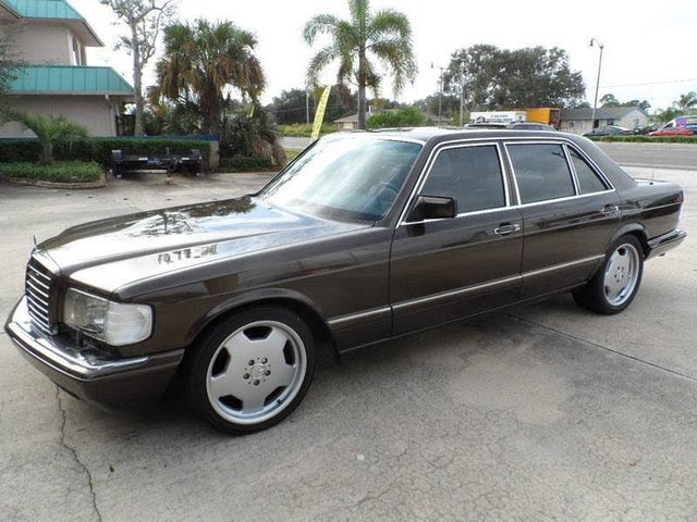 1990 Mercedes-Benz 560-Class 4 Dr 560SEL Sedan