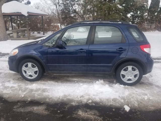 2011 Suzuki SX4 Base AWD Crossover