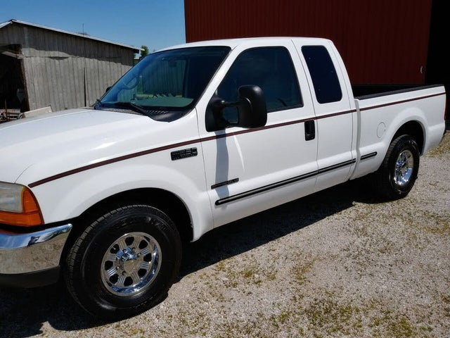 1999 Ford F-250 Super Duty XLT Extended Cab SB