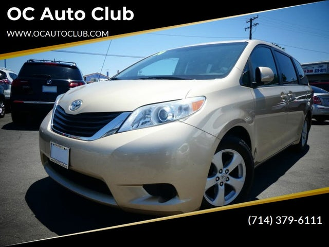 2014 Toyota Sienna LE Mobility 7-Passenger