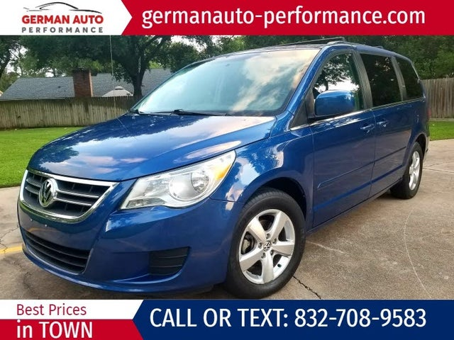 2011 Volkswagen Routan SE with RSE and Nav