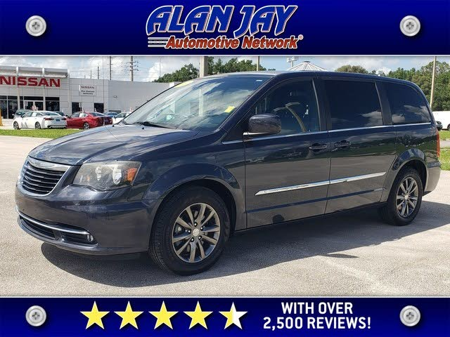 2014 Chrysler Town & Country S FWD