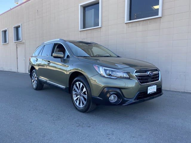 https://static.cargurus.com/images/forsale/2020/06/26/09/58/2019_subaru_outback-pic-2201042030899132045-1024x768.jpeg