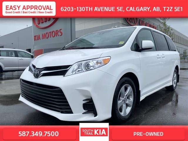 2019 Toyota Sienna LE 7-Passenger FWD with Auto-Access Seat