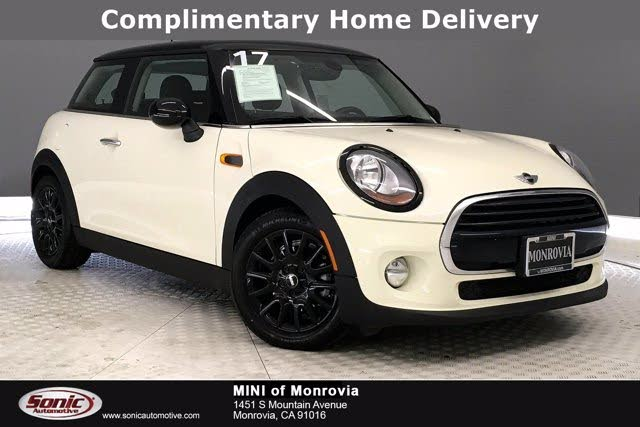 2017 MINI Cooper 2-Door Hatchback FWD