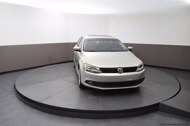 2011 Volkswagen Jetta SEL with Sunroof