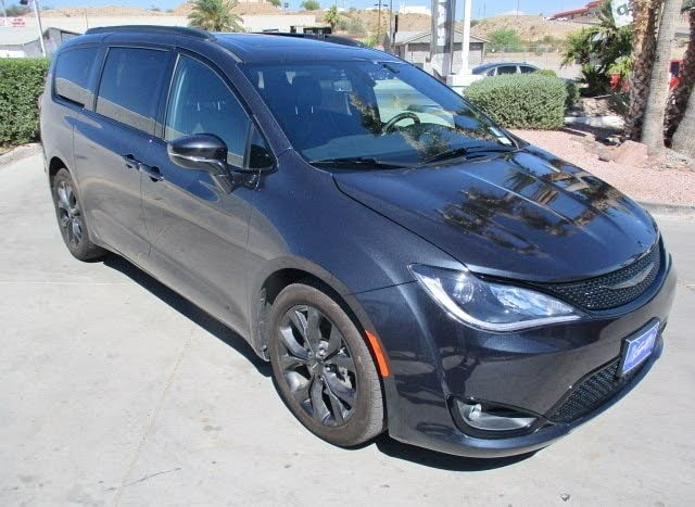 2019 Chrysler Pacifica Limited FWD