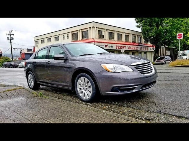 2014 Chrysler 200 LX Sedan FWD