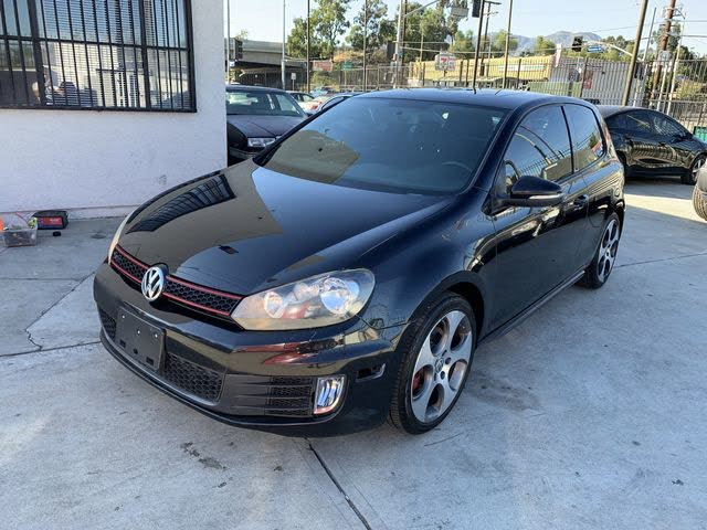 2012 Volkswagen GTI 2.0T 2-Door FWD with Sunroof and Navigation