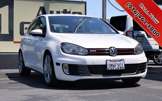 2011 Volkswagen GTI 2.0T 2-Door FWD with Sunroof and Navigation
