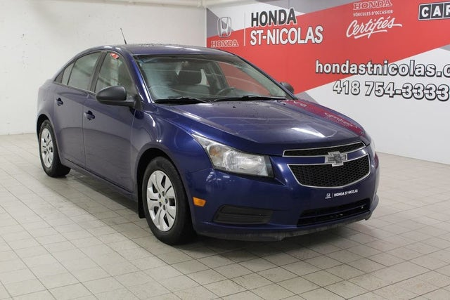 2013 Chevrolet Cruze LS Sedan FWD