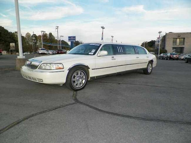 2006 Lincoln Town Car Executive
