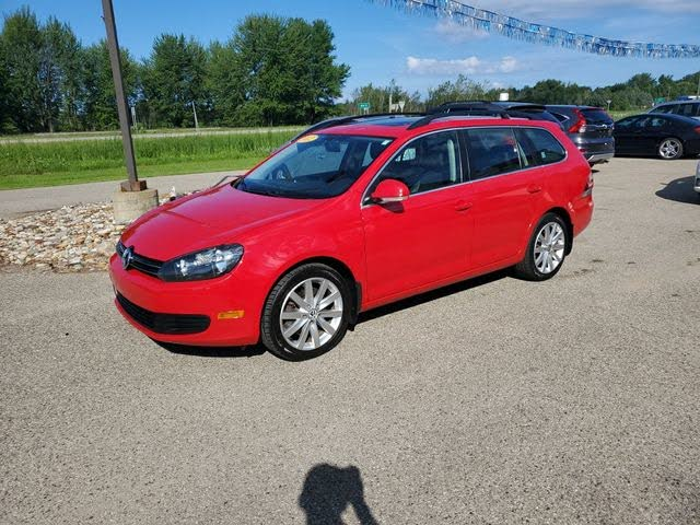 2012 Volkswagen Jetta SportWagen TDI FWD with Sunroof and Navigation