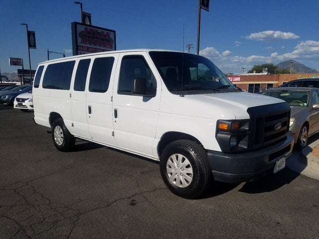 2009 Ford E-Series E-350 XL Super Duty Extended Passenger Van