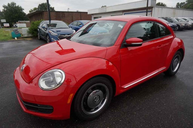 2012 Volkswagen Beetle 2.5L with Sunroof