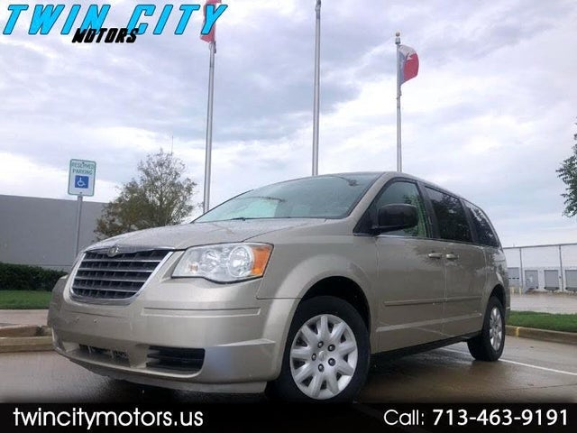 2009 Chrysler Town & Country LX FWD