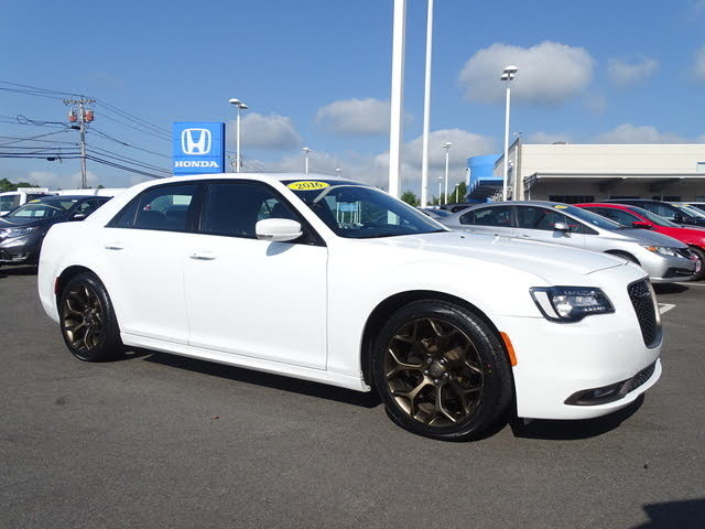 2016 Chrysler 300 S Alloy Edition RWD