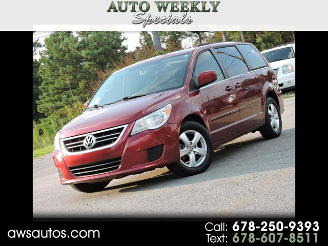 2011 Volkswagen Routan SE with RSE