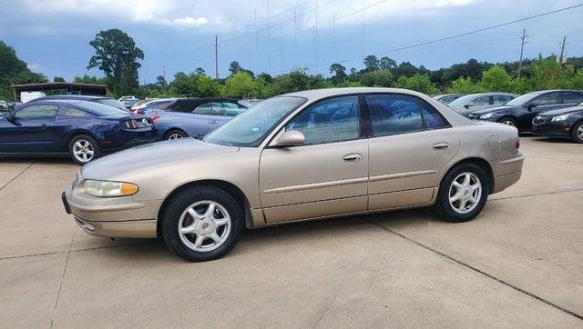 2001 Buick Regal LS Sedan FWD