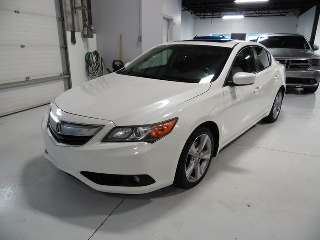 2014 Acura ILX 2.0L FWD with Premium Package
