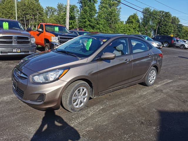 2013 Hyundai Accent GL Sedan FWD