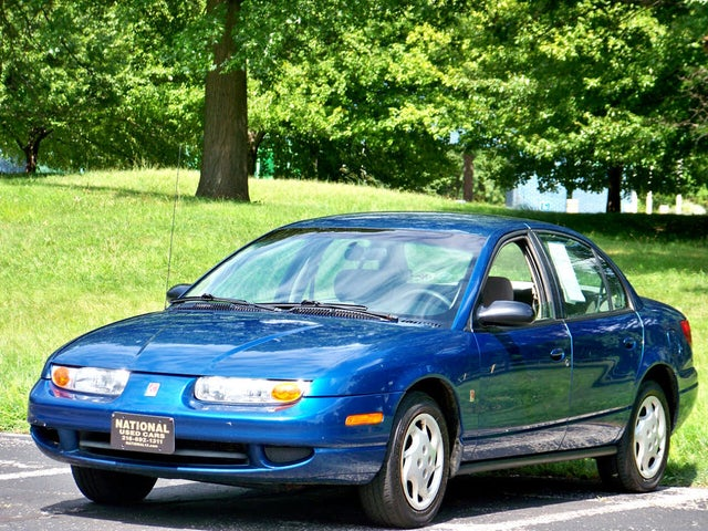 2002 Saturn S-Series 4 Dr SL2 Sedan
