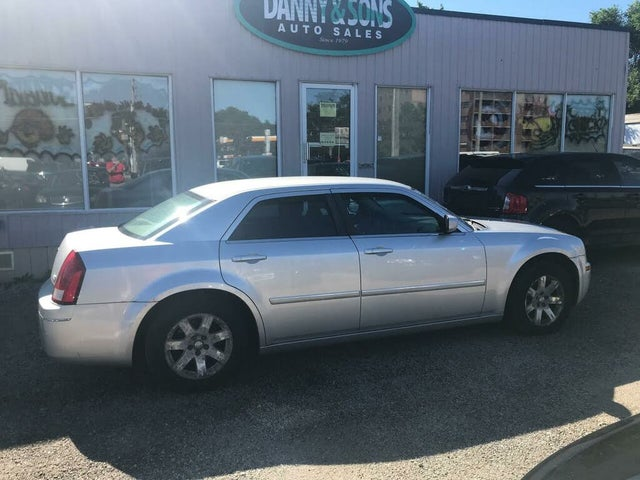 2007 Chrysler 300 Touring RWD