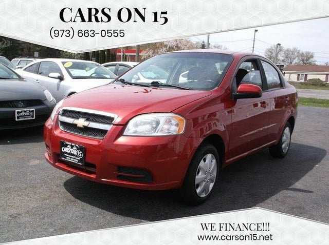 2011 Chevrolet Aveo 1LT Sedan FWD