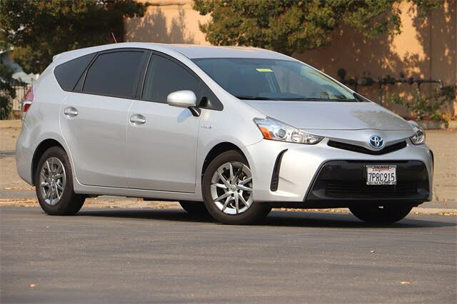 2016 Toyota Prius v Two FWD
