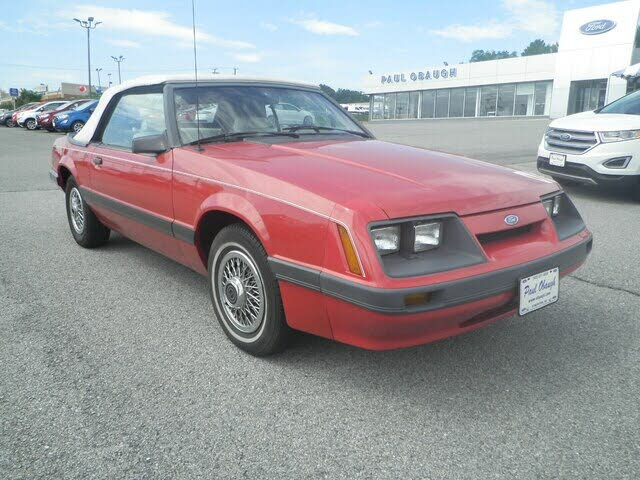 1986 Ford Mustang LX Convertible RWD