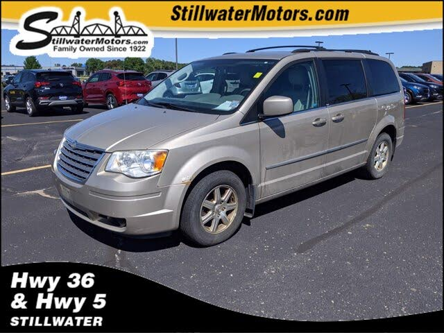 2009 Chrysler Town & Country Touring FWD