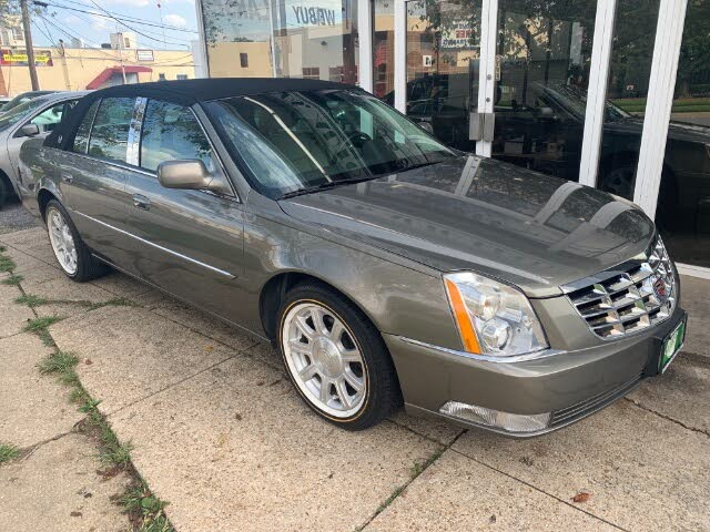 2011 Cadillac DTS Pro FWD with Livery Package