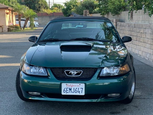 2003 Ford Mustang GT Deluxe Convertible RWD