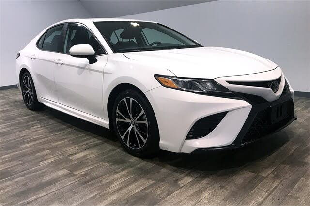 2019 Toyota Camry SE FWD