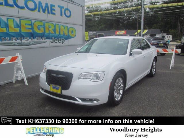 2019 Chrysler 300 Touring RWD