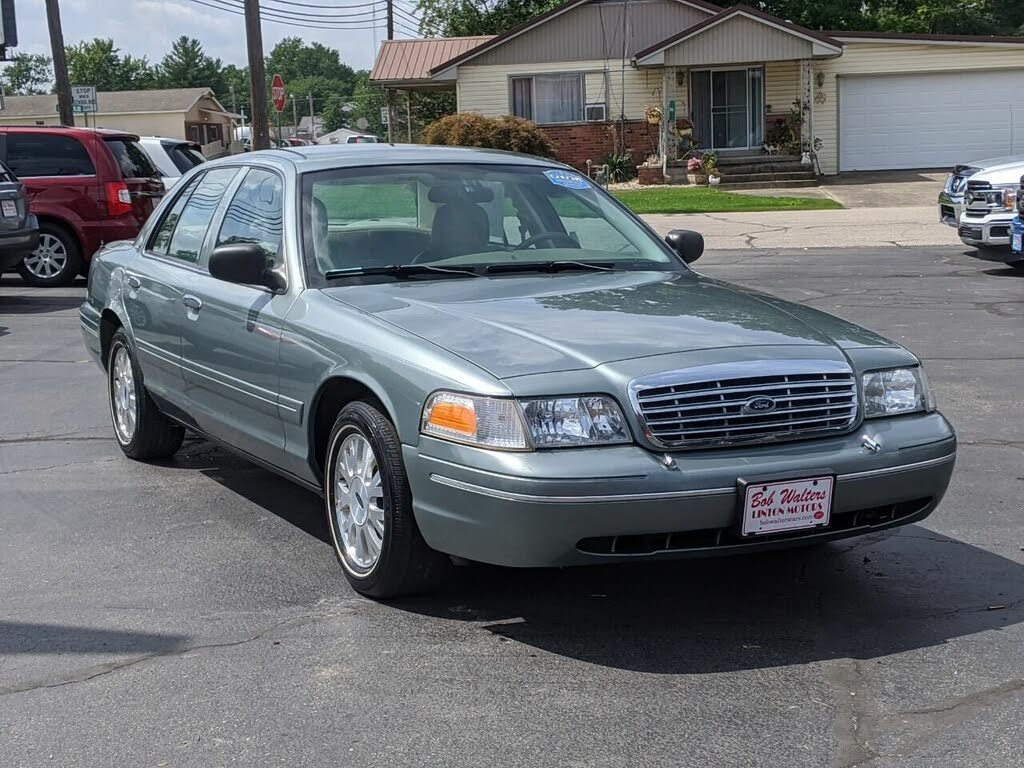 Used 2005 Ford Crown Victoria LX for Sale Right Now - CarGurusCarGurus