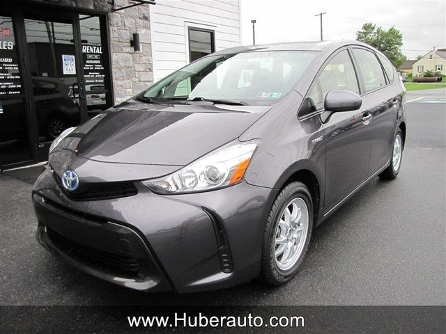2017 Toyota Prius v Two FWD