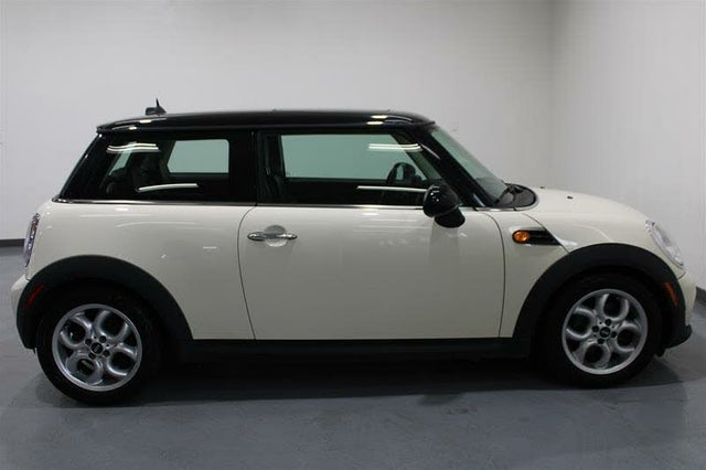 2013 MINI Cooper Hatchback FWD