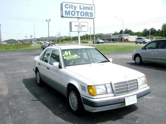 1991 Mercedes-Benz 300-Class 4 Dr 300D Turbodiesel Sedan