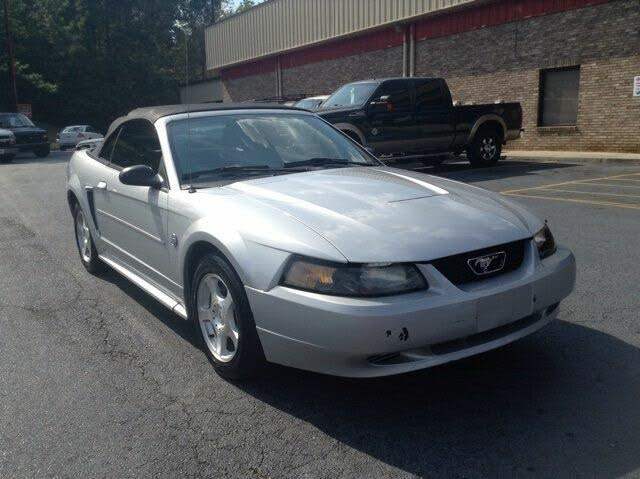 2004 Ford Mustang Deluxe Convertible RWD