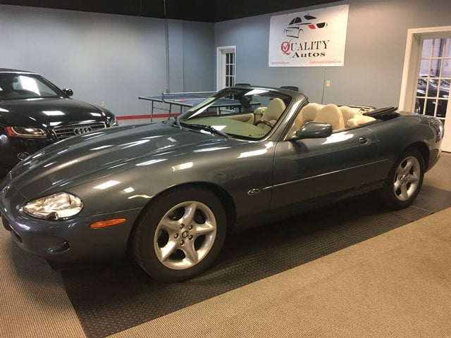 2000 Jaguar XK-Series XK8 Convertible RWD
