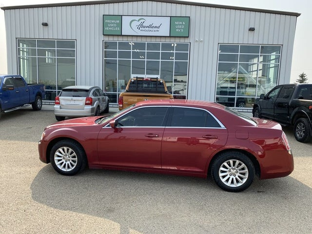 2011 Chrysler 300 Touring RWD