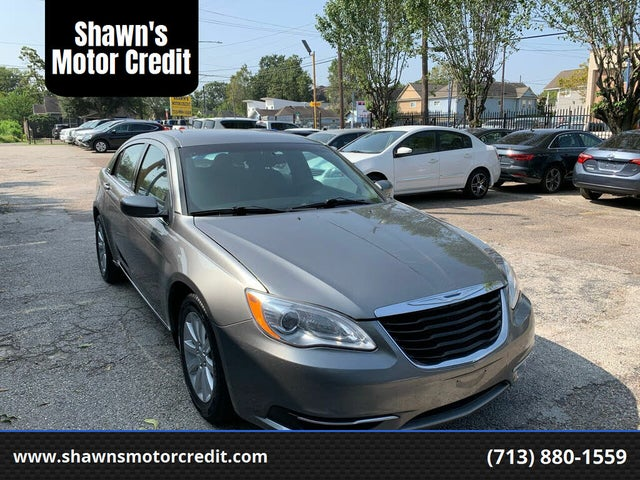 2012 Chrysler 200 Touring Sedan FWD