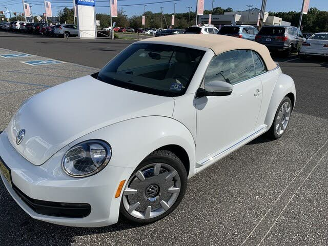 2014 Volkswagen Beetle 1.8T Convertible with Sound and Navigation