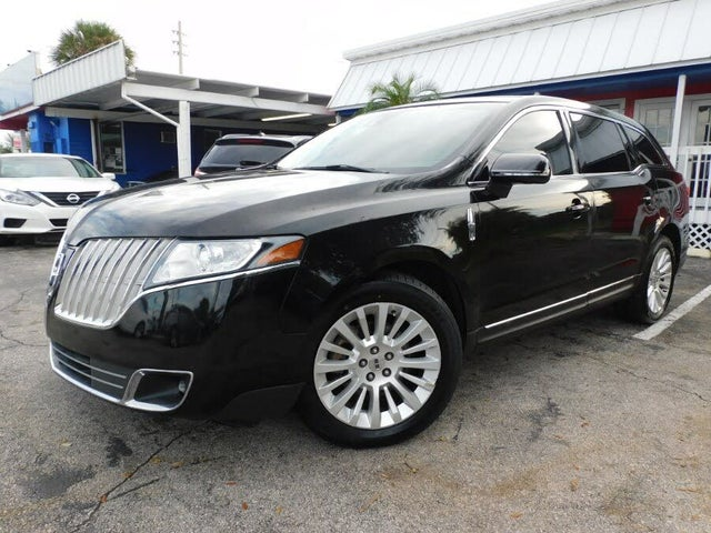 2011 Lincoln MKT FWD